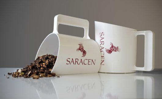 'Saracen Horse Feeds White Scoop' image